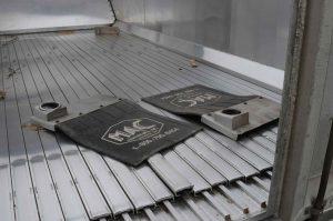 Inside floor and MAC mud flaps of Used Walking Floor Box 2005 MAC